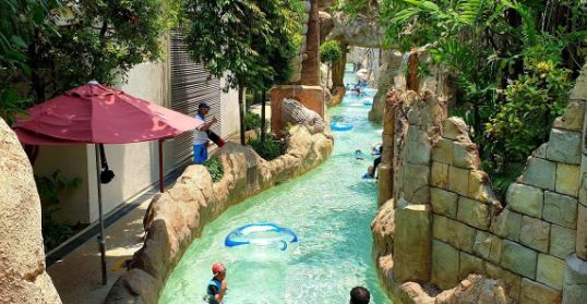 Adventure Cove Water park.
